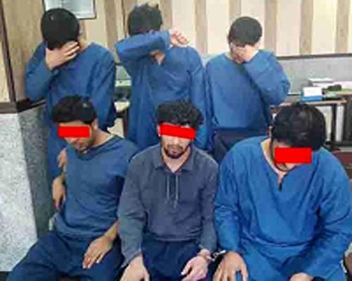 دستگیری سارقان نقابدار که به سبک هالیوودی ها به طلافروشی حمله کردند عکس