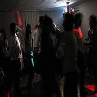 سرنوشت ۶ پسر مست و ۸ دختر در پارتی شبانه مختلط باغ سپیدان