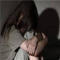 خالکوبی مرد شیطان صفت پس از تجاوز به دختر نوجوان بر روی دستش +عکس