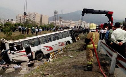 حادثه واژگونی دلخراش اتوبوس دانش آموزان +تصاویر و اسامی مصدومان