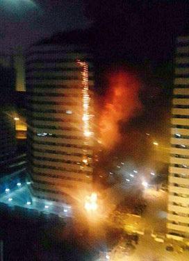 تصاویر و جزئیات آتش سوزی در برج ۲۰ طبقه چیتگر تهران