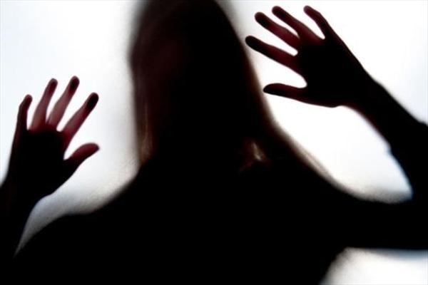 دختر ۱۵ ساله نوزاد یک ارتباط شیطانی را به دنیا آورد