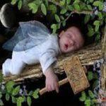 زایمان پنهانی دختر 12 ساله و نوزاد در میان خس و خاشاک جنگل +عکس