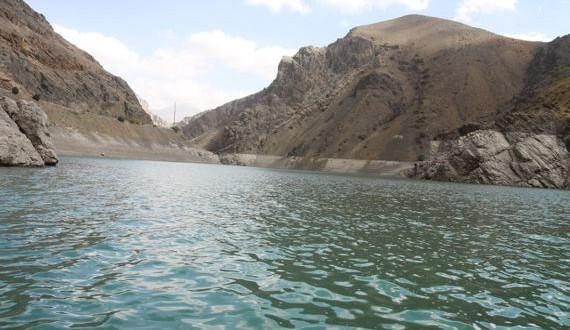 سقوط کودک ۱۱ ساله در دریاچه