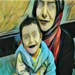کارتن خوابی مرجان ۱۵ ساله معتاد با نوزادش در پارک