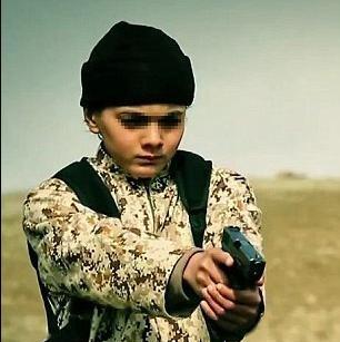 دستگیری جلاد ۱۵ ساله داعش که می خواهد به روستایش بازگردد! +عکس