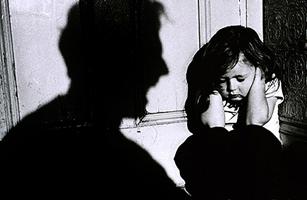 شکنجه وحشیانه سارینا ۵ ساله به خاطر راز پنهان پدر و مادرش +عکس