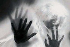 قرار با زن جوان برای رابطه شیطانی با دختر خردسال! +عکس