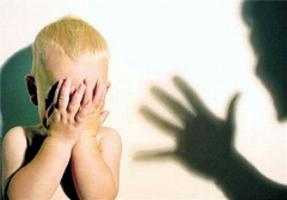 بلایی که مربی زن بر سر پسر بچه در برابر چشمان کودکان مهد آورد