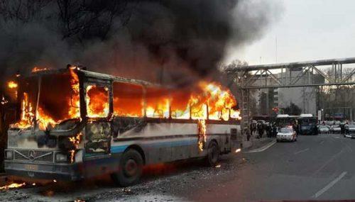 حریق اتوبوس در محور هراز