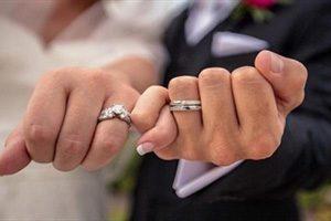 عروس جوان ۱۸ ساعت پس از ازدواج در آغوش داماد جان سپرد +عکس