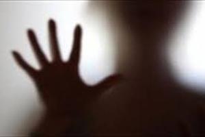 پسر ۱۹ ساله افغان و آزار شیطانی دختر نوجوان در جوی آب