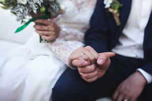 ماجرای ازدواج عجیب دختر ایرانی با یک مرد مرده!