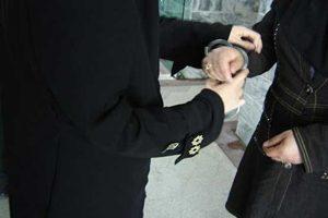 چرا زنان مشهدی از دست این دختر در امان نبودند +عکس