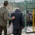 پدر معتاد پسر ۳ ساله اش را داخل ماشین لباسشویی زندانی کرد