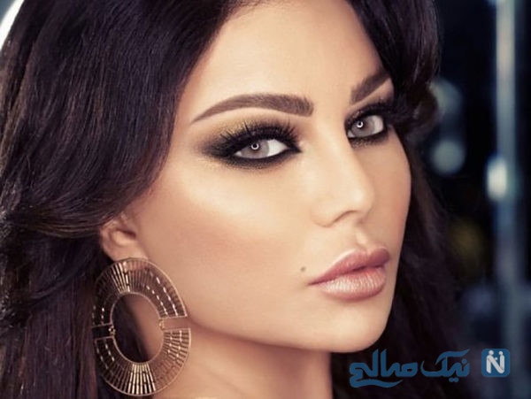 خواننده زن عربی