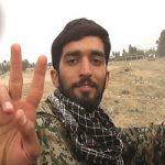 بوسه فرمانده سپاه بر دست پدر شهید حججی