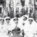 عکس های خنده دار از چسباندن دلمه با نوار چسب تا شیطنت دخترای قاجار سری ۶۲۱