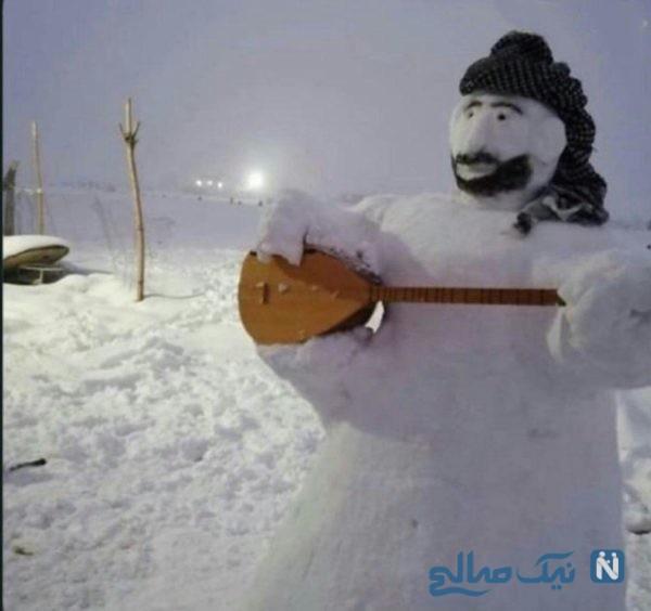 آدم برفی نوازنده