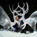 هنرمندی که با یخ مجسمه هایی بی نظیر می سازد