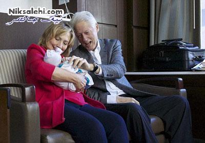 هیلاری و بیل کلینتون با نوه جدیدشان +عکس