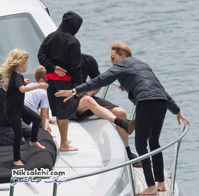 تعطیلات برد پیت و خانواده اش در یک قایق لوکس+عکس