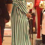 تیپ جالب ریحانا درحین خرید در شهر میلان +عکس