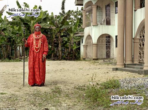 تصاویر جالبی از پادشاهان یک کشورآفریقایی با لباس های رنگی +عکس