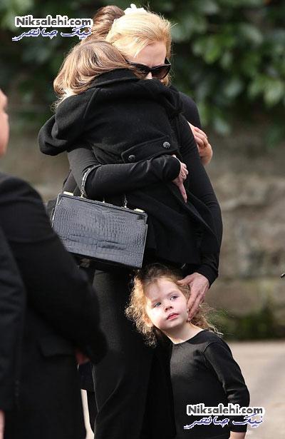 نیکول کیدمن و خانواده اش در مراسم خاکسپاری پدرش +عکس