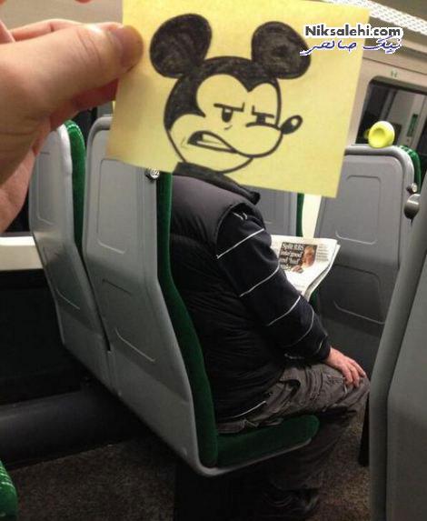 نقاشی های ابتکاری یک هنرمند با کمک مسافران قطار +تصاویر