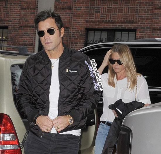 همسر سابق برد پیت و شوهرش در حین خرید در نیویورک سیتی +عکس