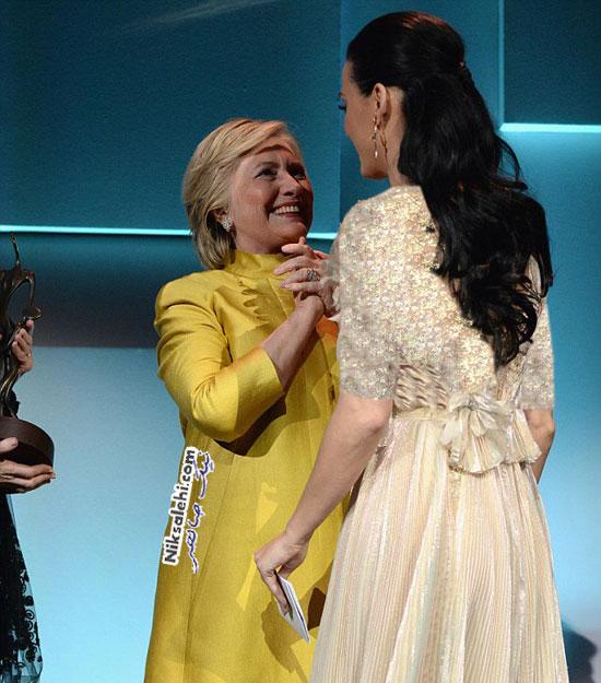 هیلاری کلینتون اشک خواننده مشهور را درآورد! +عکس