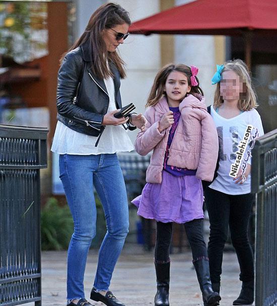 عکس دختر تام کروز با مادرش در کاليفرنيا