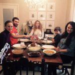 ساخت خانه رویایی توسط مادر و چهار فرزندش +عکس
