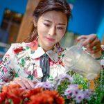 چهره جوان این خانم 50 ساله کاربران اینترنتی را شگفت زده کرده! +عکس