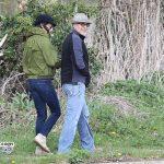 امل کلونی و شوهرش جورج در یک پیاده روی عاشقانه در نزدیکی خانه شان +عکس