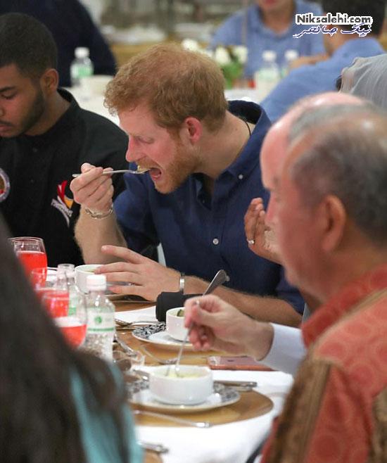 پرنس هری در ضیافت افطاری