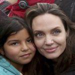 دیدار آنجلینا جولی با کودکان سوری در کمپ پناهجویان در اردن
