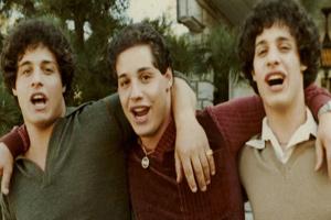 راز عجیب و ظالمانه جدایی برادران سه قلو در بدو تولد