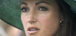 زیبایی طبیعی جین سیمور بازیگر پزشک دهکده در ۶۷ سالگی