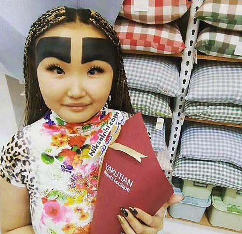 ابروهای عجیب دختر روسی