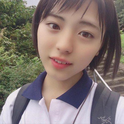 پسر زیبا و نوجوان ژاپنی با چهره و صدای کاملا دخترانه