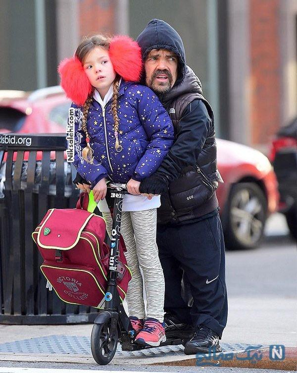 پیتر دینکلیج و دخترش