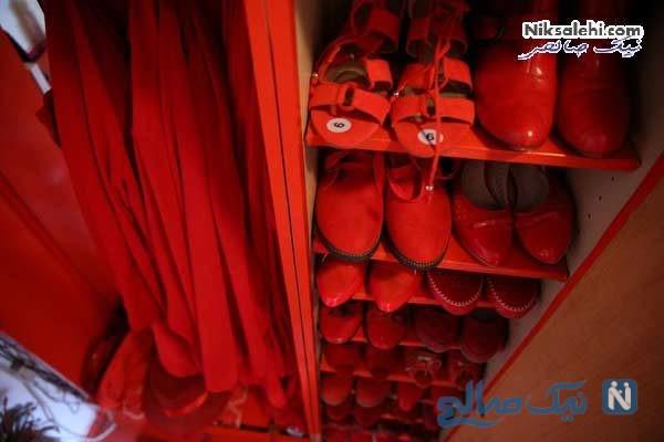 بانوی قرمز پوش