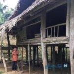 پسر ۱۰ ساله ای که پس از فوت نزدیکانش تک و تنها زندگی می کند