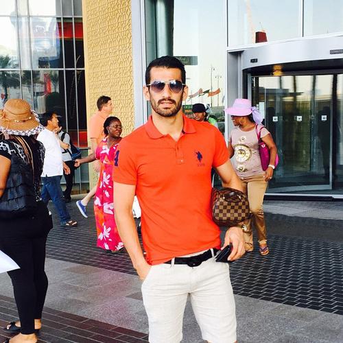 تیپ بازیکن تیم ملی در بزرگ ترین بازار جهان در دبی + عکس