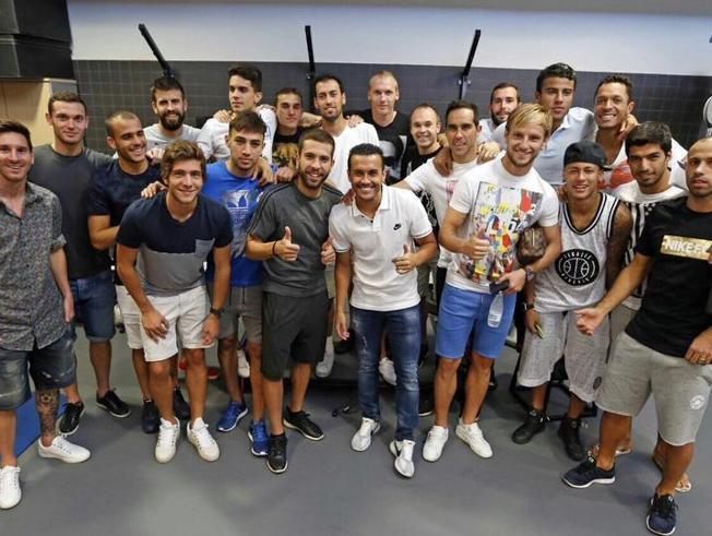 کنفرانس خبری خداحافظی پدرو با حضور بازیکنان بارسا + تصاویر