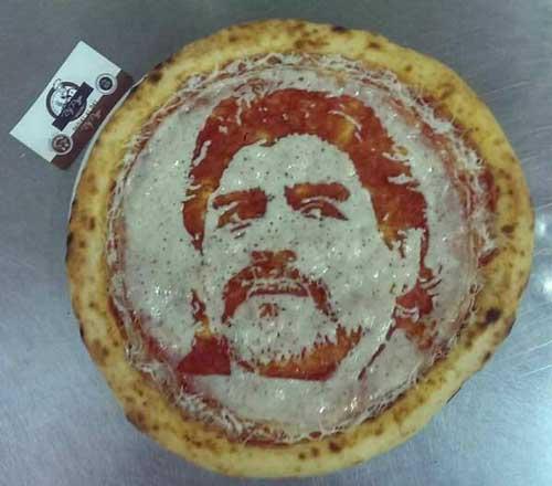 محبوبیت ابدی دیگو/ پیتزایی با طرح مارادونا! + عکس