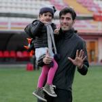 کریخوانی دختر مدافع پرسپولیس برای استقلالیها + عکس