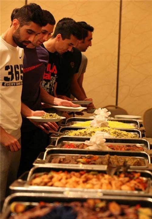 مراسم مجلل ایرانیهای مقیم لسآنجلس برای والیبالیستها + تصاویر